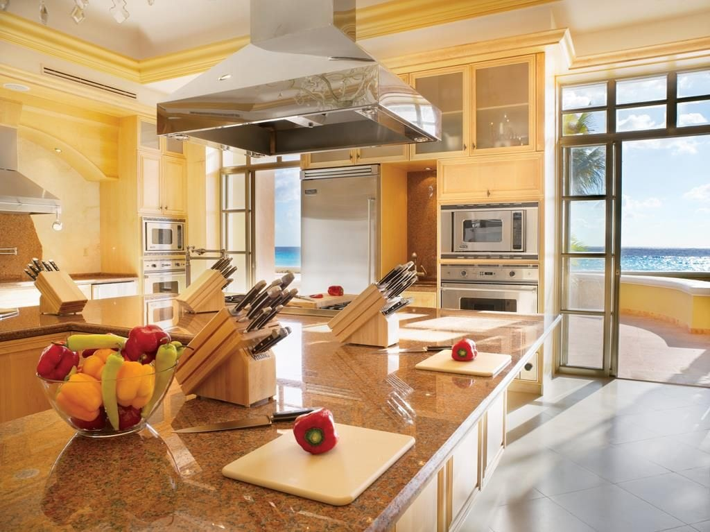 Learn how to cook traditional Mexican cuisine in the Ritz-Carlton, Cancun Culinary Center.