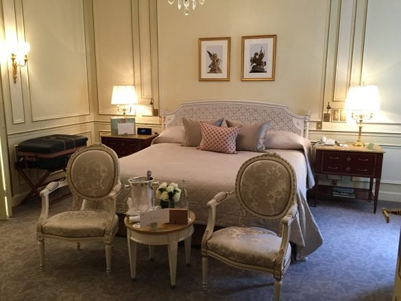 Le-Meurice-Paris-bedroom