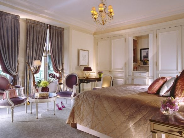 le-Meurice-superiorsuite-bedroom-gde-laubier