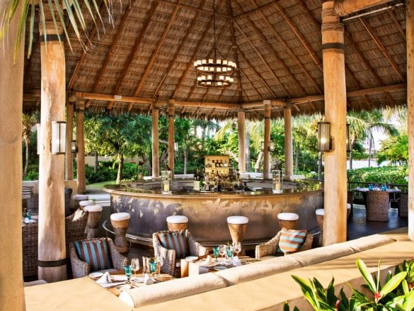 St-regis-punta-mita-Sea Breeze Bar-Med