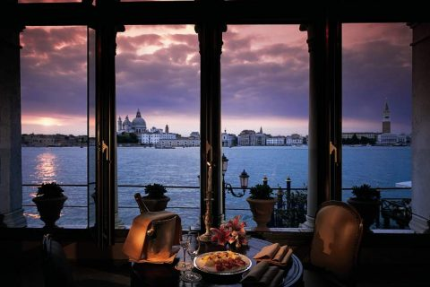 Belmond-Hotel-Cipriani-View-Sunset